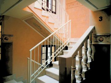 Calle del Peso 3 - Oviedo - Escalera